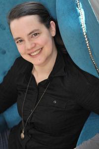 Drei Fragen an … Vertrags-Expertin Daniela Pusch